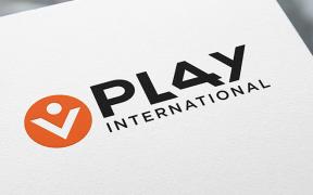 play international emploi